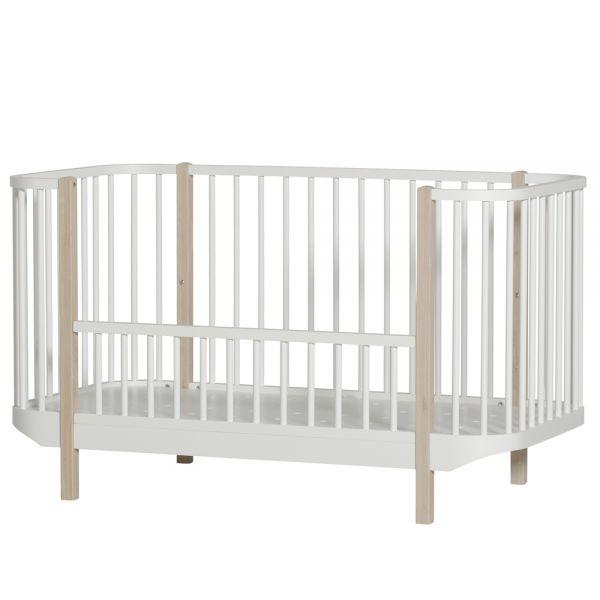 lit b b volutif en bois massif design scandinave oliver furniture. Black Bedroom Furniture Sets. Home Design Ideas