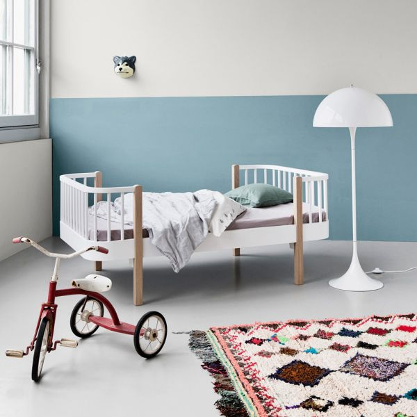 lit extensible enfant en bois massif de ch ne et bouleau oliver furniture. Black Bedroom Furniture Sets. Home Design Ideas