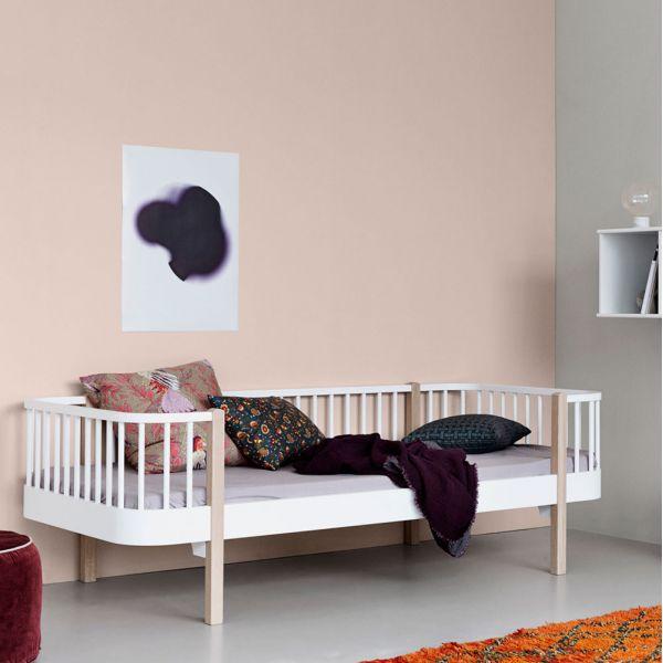 lit banquette pour chambre d ado au style r tro. Black Bedroom Furniture Sets. Home Design Ideas