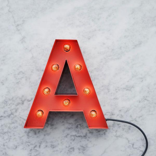 Lettre lumineuse déco en 14 coloris, fabriquée en Suède