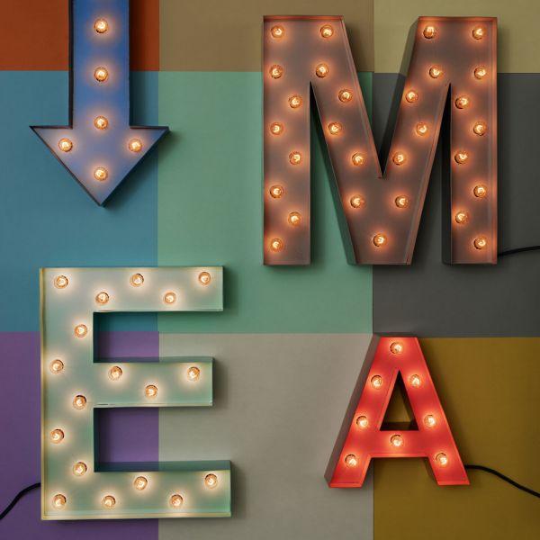 lettres lumineuses personnalisables en 14 couleurs. Black Bedroom Furniture Sets. Home Design Ideas