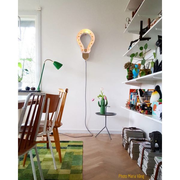 lampe design en forme d ampoule customiser. Black Bedroom Furniture Sets. Home Design Ideas